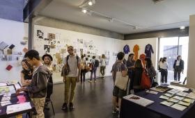 """Photographies de l'exposition """"Dessin(s)"""" (ateliers Dessin & Sérigraphie)"""